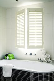 Shutters-bathroom-with-hinges.jpg